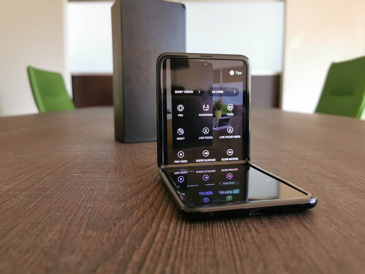 samsung-galaxy-z-flip-techgear-review-28.jpg