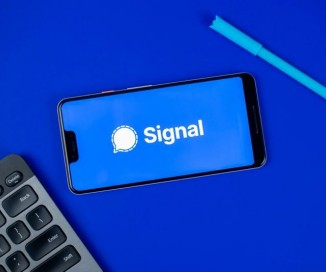 Η Facebook μπλοκάρει τις διαφημίσεις της Signal διότι παραείναι...αληθινές