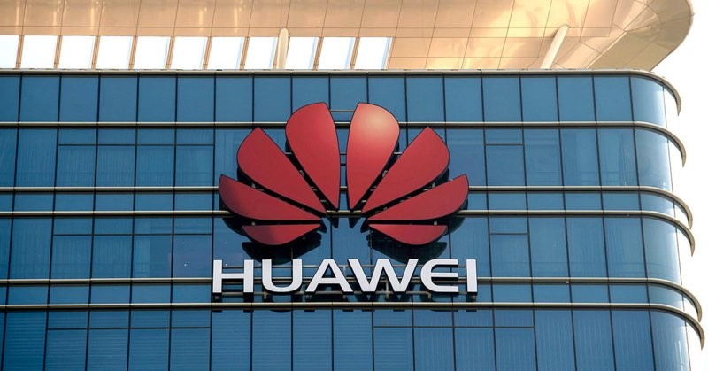 Huawei: Δεν μας ενδιαφέρουν οι διαφημίσεις, εκεί θα διαφοροποιηθούμε από τη Google