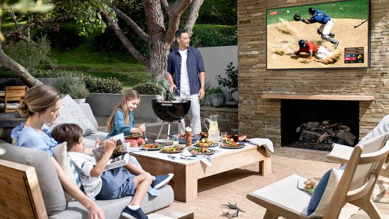 Samsung The Terrace: Η 4K QLED TV της εταιρείας για εξωτερικούς χώρους!
