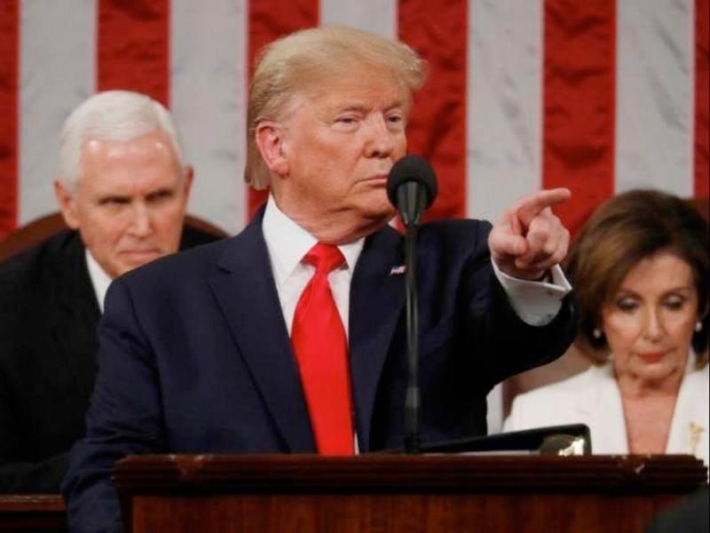 Ο Donald Trump επεκτείνει για ακόμη έναν χρόνο το μπλόκο στη Huawei