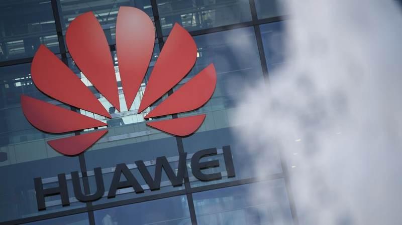 Το Ηνωμένο Βασίλειο θέλει να μπλοκάρει τελικά τη Huawei από τα δίκτυα 5G