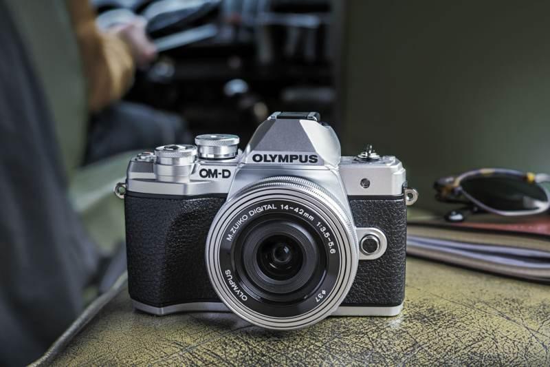 Olympus: Αποχωρεί από την αγορά των φωτογραφικών μηχανών