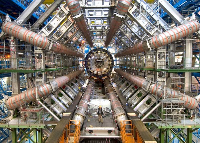 CERN: Έγκριση για νέο επιταχυντή σωματιδίων σε μήκος 100km