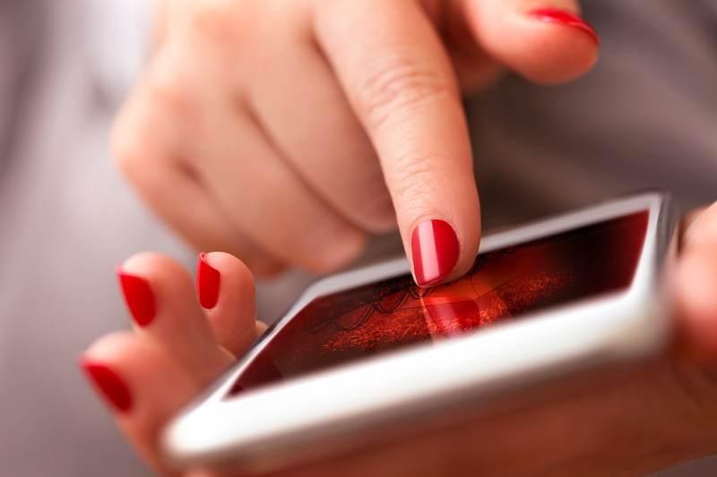 Vodafone: Απεριόριστος χρόνος ομιλίας και πολλαπλάσια data σε όλα τα προγράμματα RED Smart και RED Plus