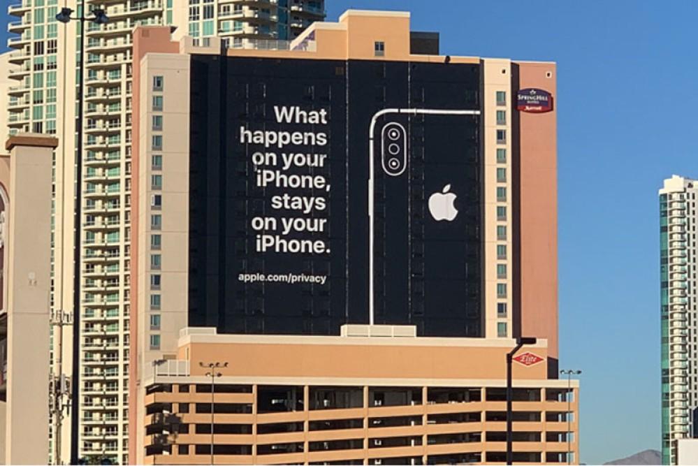 """""""Ό,τι συμβαίνει στο iPhone, μένει στο iPhone"""" λέει η Apple στο Las Vegas..."""
