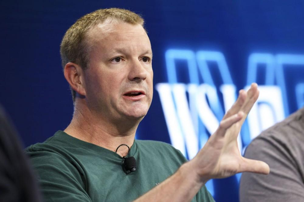 Ο συνιδρυτής του WhatsApp απαντά γιατί πούλησε στη Facebook και μας καλεί να φύγουμε από το κοινωνικό δίκτυο