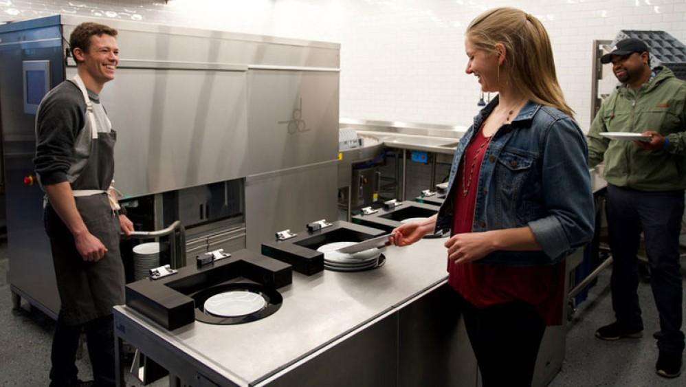 Dishcraft: Ένα ρομπότ - λατζιέρης για χώρους εστίασης [Video]