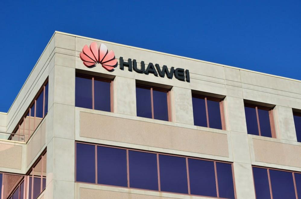Άρση του μπλόκου στη Huawei μέχρι τις 19 Αυγούστου, μας υποτιμούν λέει ο ιδρυτής της