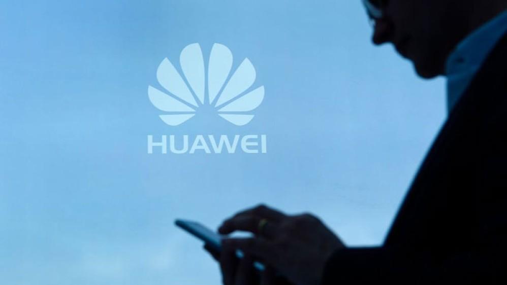 Η Facebook απαγορεύει την προεγκατάσταση των εφαρμογών της στα smartphones της Huawei