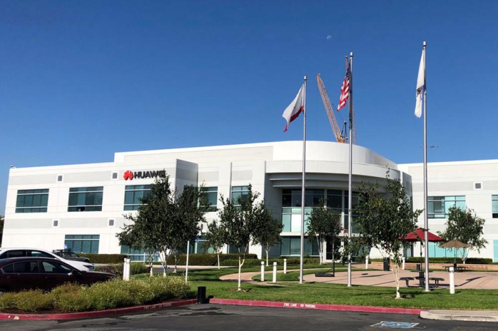Η Huawei απέλυσε το 1/3 του προσωπικού της στις ΗΠΑ