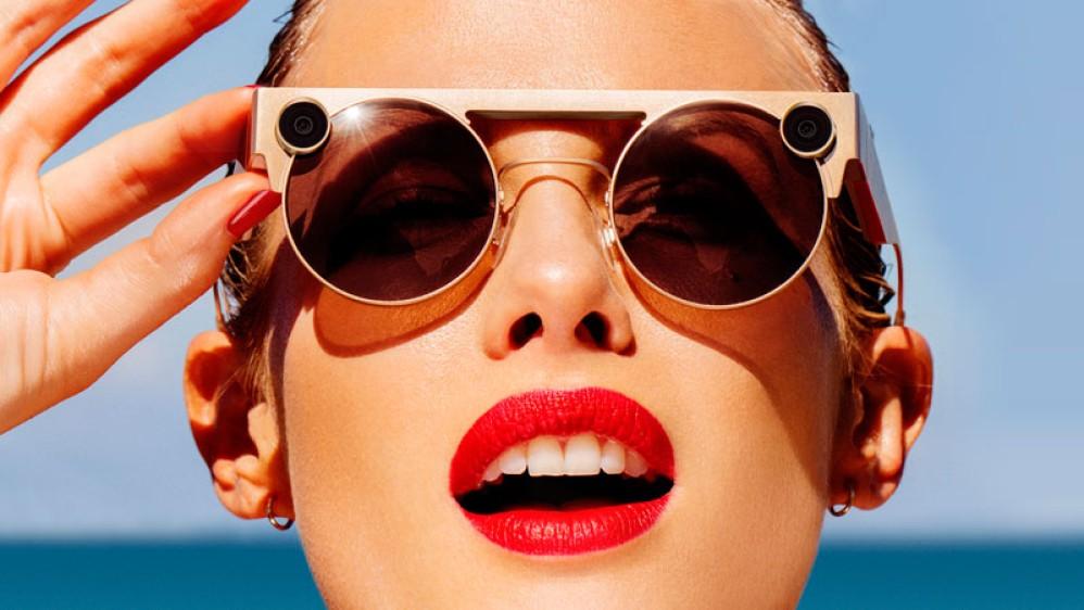"""Spectacles 3: Η νέα γενιά των """"έξυπνων"""" γυαλιών της Snap με δυνατότητα λήψης σε 3D"""