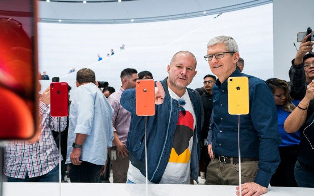 Jony Ive: Ο εμβληματικός επικεφαλής σχεδιασμού της Apple αποχωρεί από την εταιρεία!