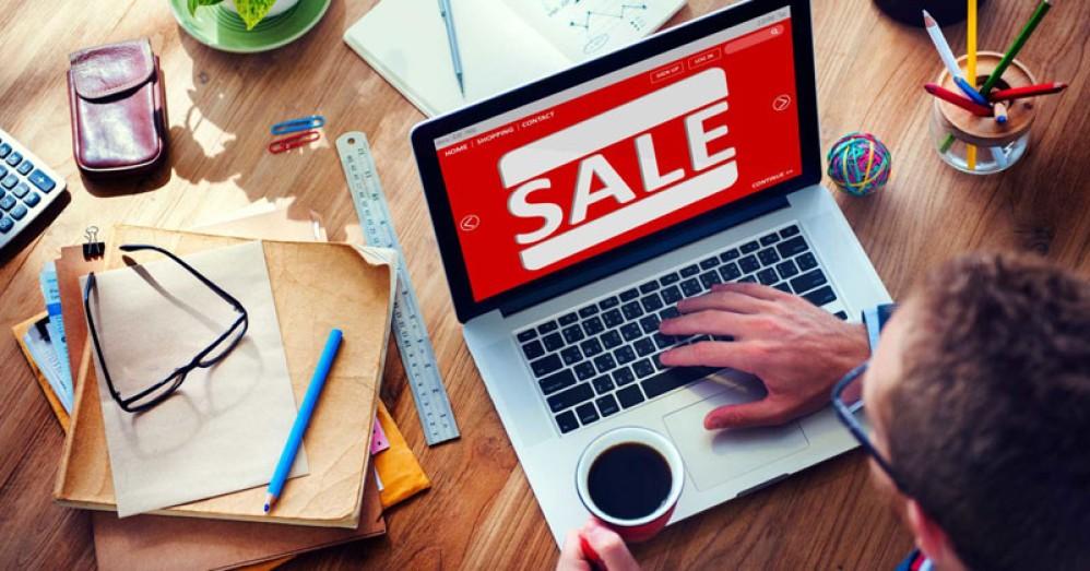 Τι να θυμάστε για να μείνετε προστατευμένοι όσο αγοράζετε στις εκπτώσεις στο Internet