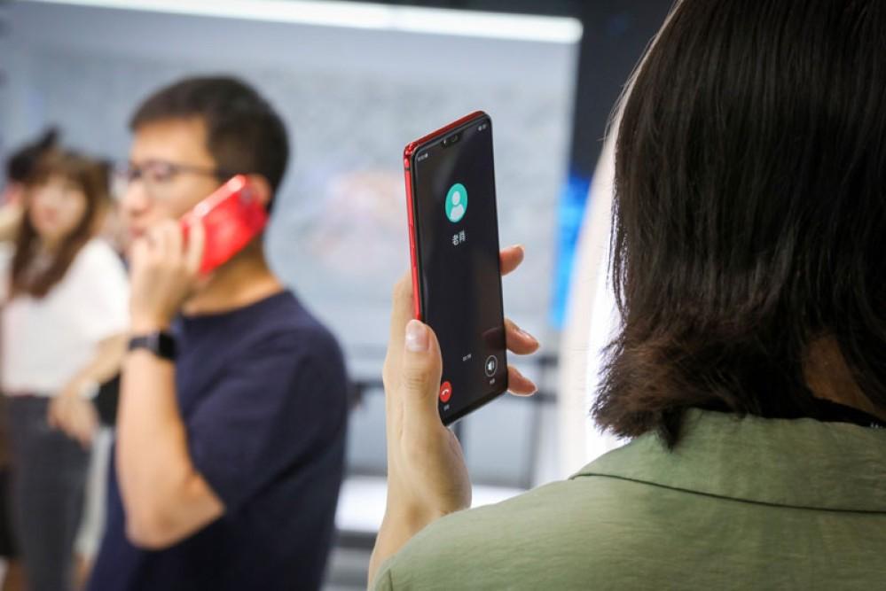 Oppo MeshTalk: Αποστολή/λήψη μηνυμάτων και κλήσεων χωρίς WiFi, Bluetooth ή δίκτυο τηλεφωνίας