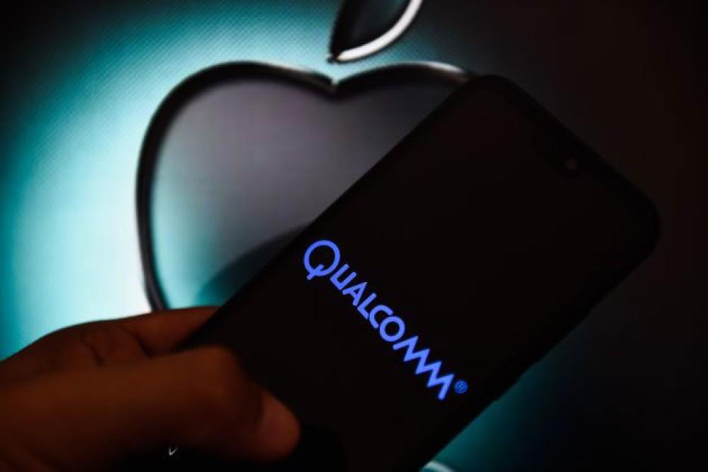 Η Qualcomm θα λάβει $4.5 δισ. από τη συμφωνία που έληξε τη διαμάχη με την Apple