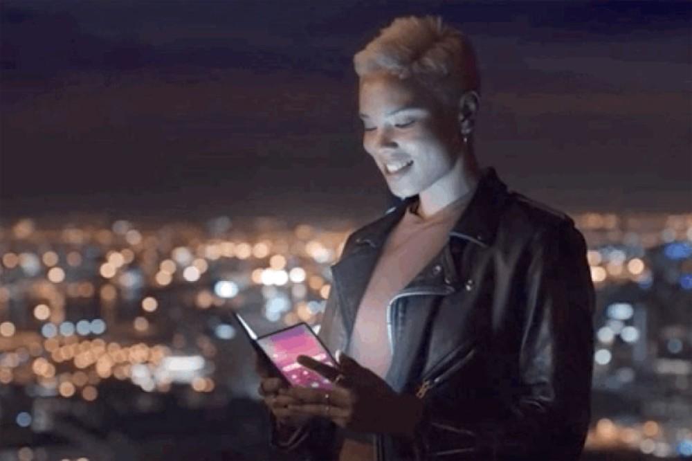Samsung Galaxy F: Διέρρευσε επίσημο video για το αναδιπλώμενο smartphone