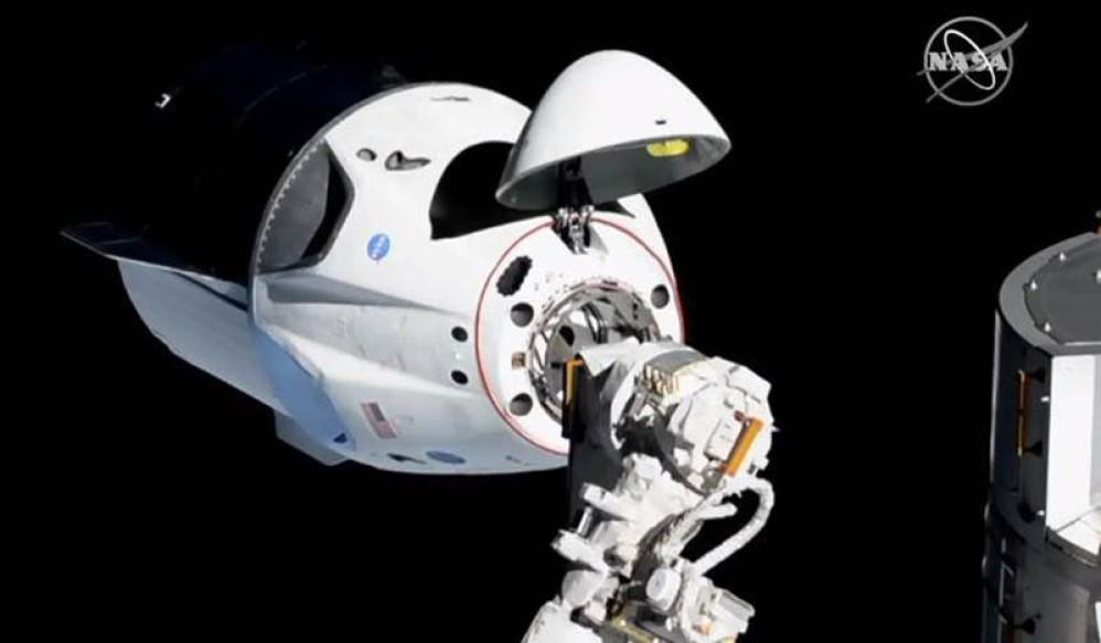 SpaceX: Ιστορικό επίτευγμα με την αποστολή και σύνδεση του Crew Dragon στον ISS