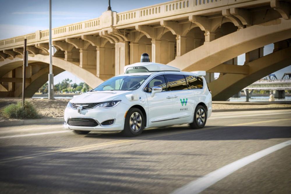 Waymo One: Ξεκίνησε η πρώτη εμπορικά διαθέσιμη υπηρεσία μεταφοράς με αυτοοδηγούμενα οχήματα