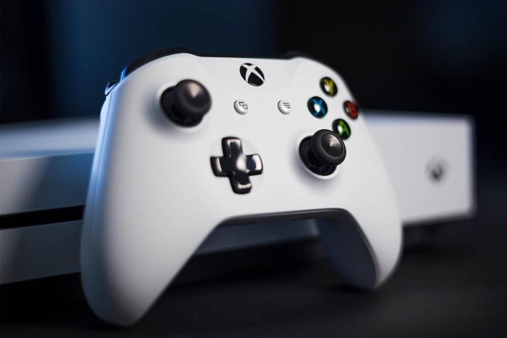 🎄 Χριστουγεννιάτικη προσφορά: Xbox One S 1TB Bundle + Gears of War 4 με €215