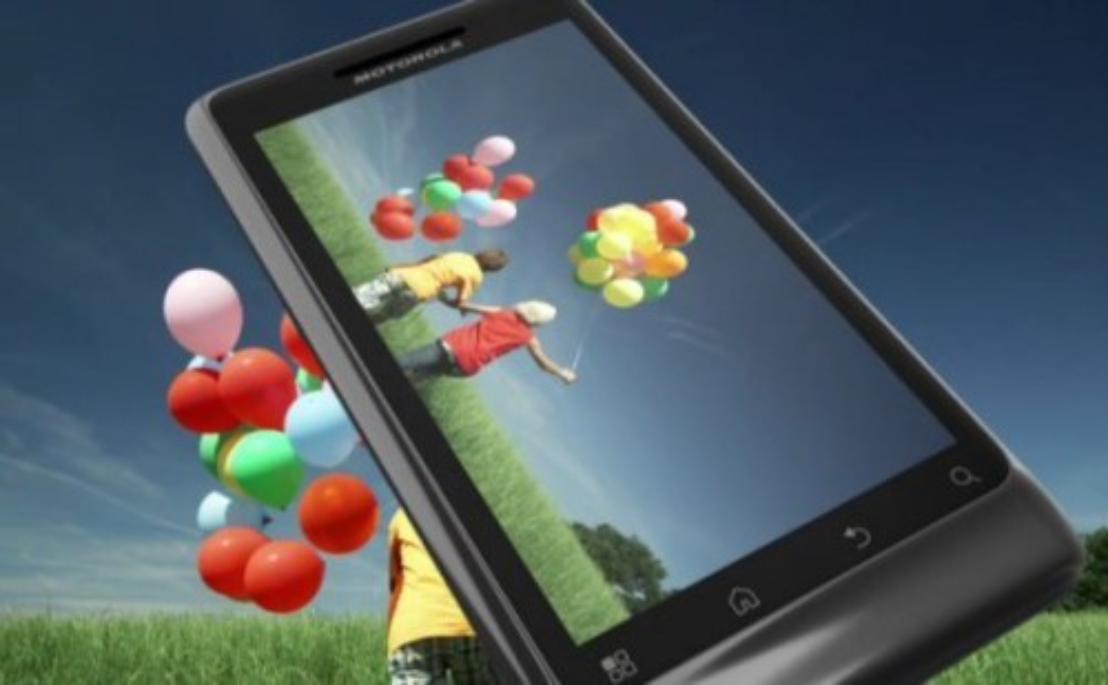 Motorola Milestone 2 με Android 2.2 και υποστήριξη Flash 10.1