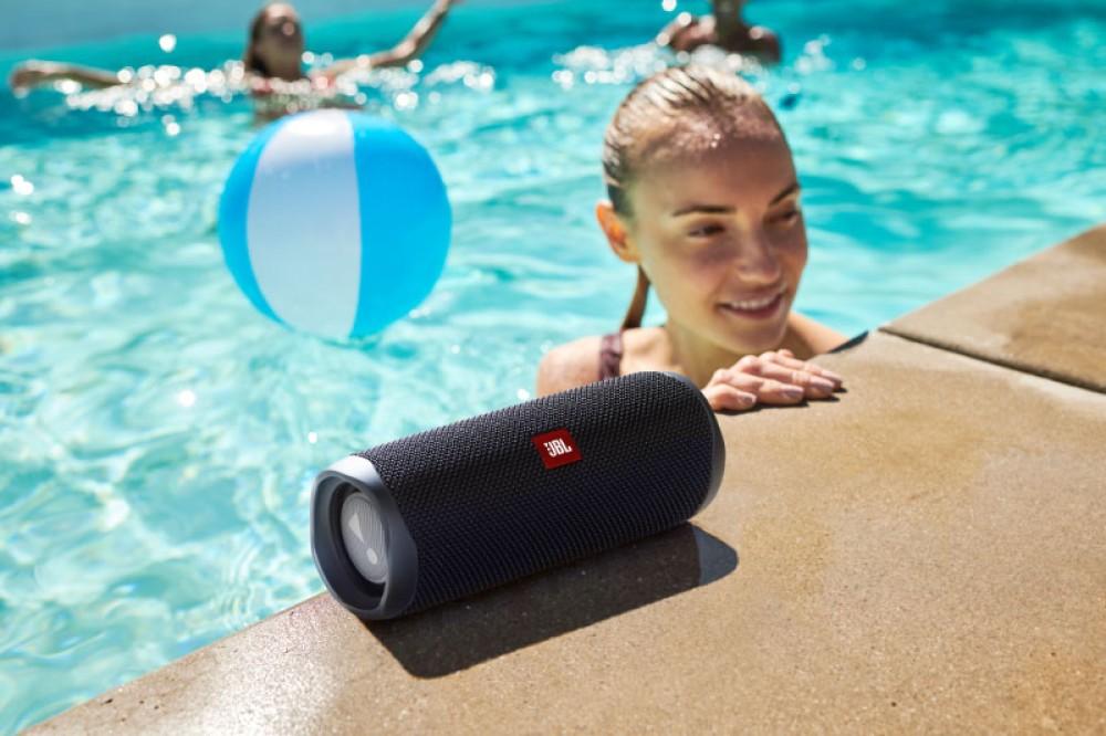 JBL Flip 5: Το νέο ασύρματο και αδιάβροχο ηχείο Bluetooth