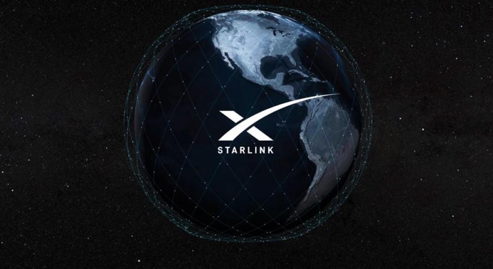 Ο Elon Musk στέλνει το πρώτο tweet συνδεδεμένος στο δορυφορικό δίκτυο Starlink