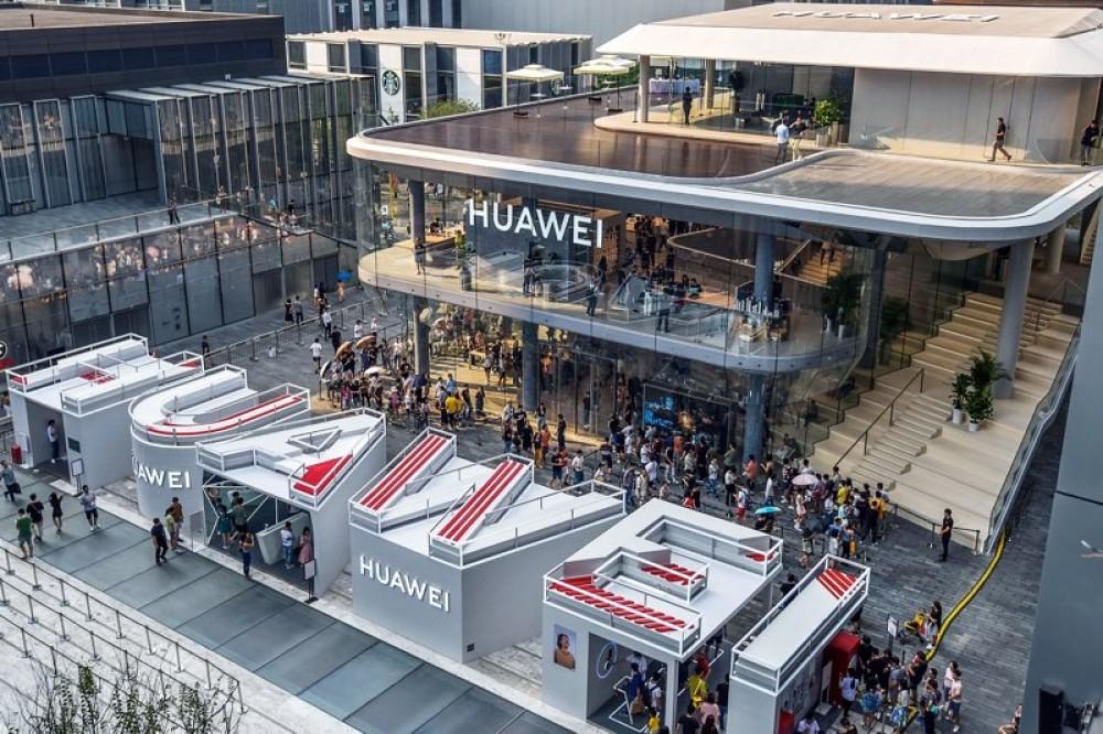 Huawei: Νέα κατηγορία ότι παρακολουθεί με backdoors τα δίκτυα κινητής τηλεφωνίας