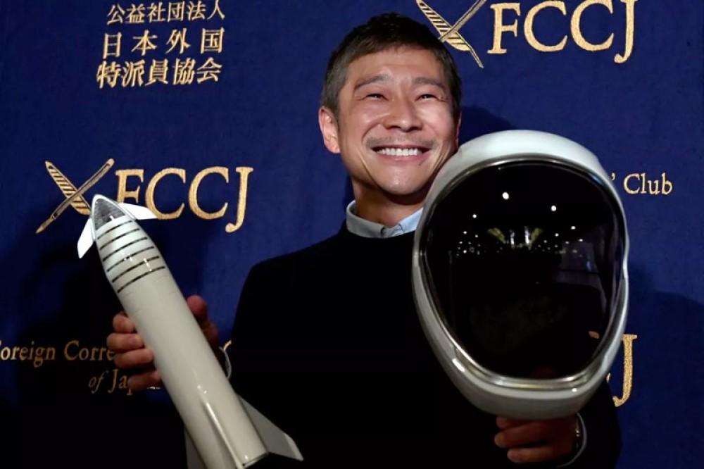 Ο Ιάπωνας δισεκατομμυριούχος ακύρωσε το project εύρεσης συντρόφου για το ταξίδι στο Διάστημα