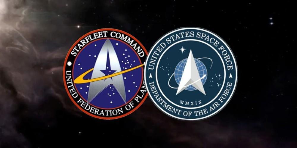 Ο Donald Trump αποκαλύπτει τη Space Force με logo....Star Trek!