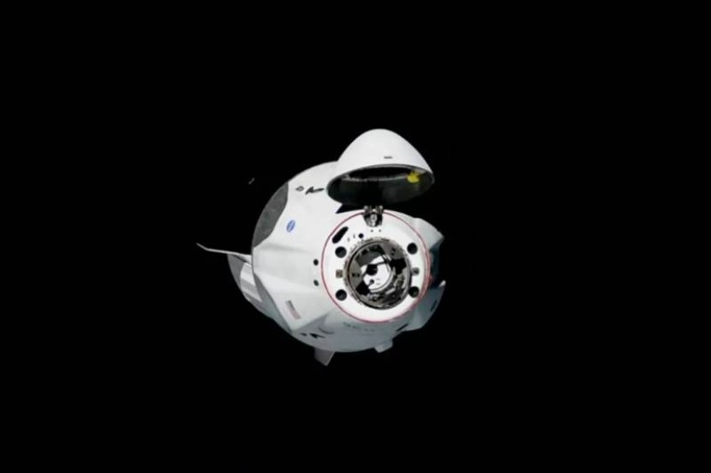 SpaceX: Ολοκληρώθηκε με επιτυχία η πρόσδεση του Crew Dragon στον ISS