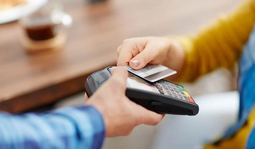 Viva Wallet: Αυξάνει το όριο ανέπαφης συναλλαγής στα €50 στην Ελλάδα