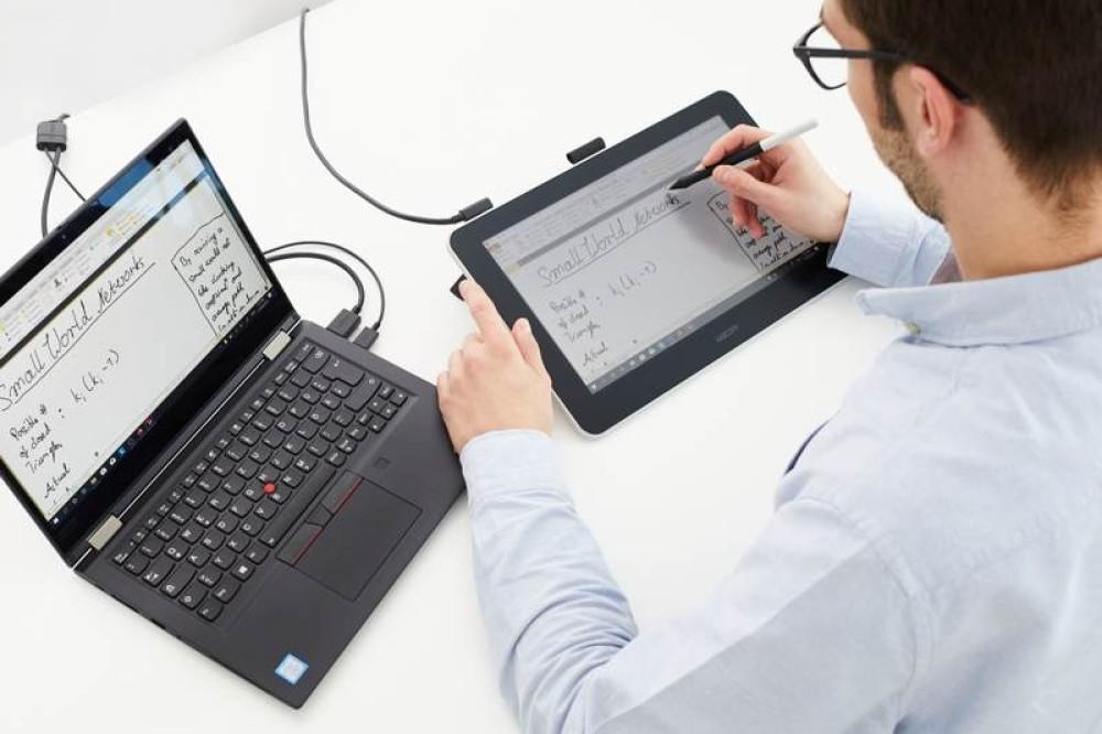 Η τηλεκπαίδευση απογειώνεται με τις γραφίδες / Pen Displays της Wacom