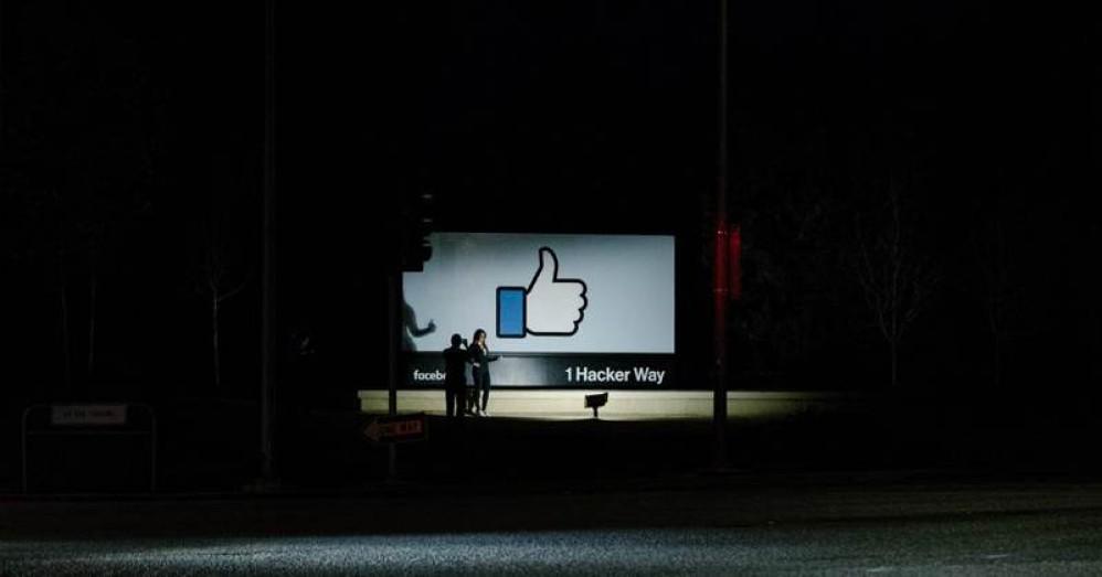 Facebook: Εξετάζει την καθολική απαγόρευση των πολιτικών διαφημίσεων