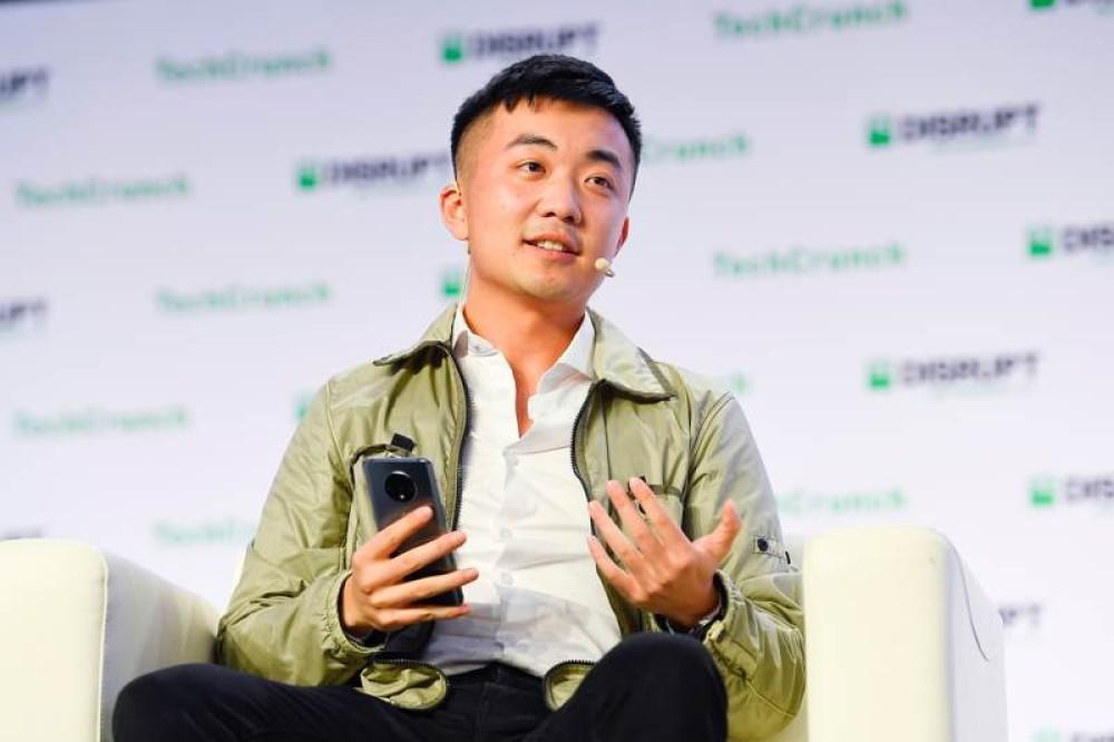OnePlus: Βόμβα με την αποχώρηση του συνιδρυτή Carl Pei