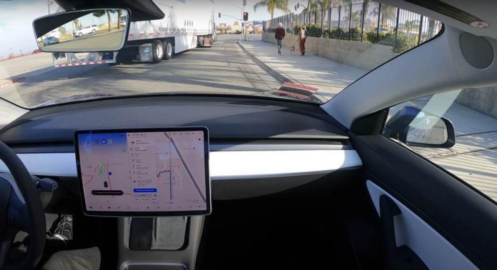 Tesla: Δείτε το σύστημα αυτόνομης οδήγησης σε ταξίδι 600km σχεδόν χωρίς παρέμβαση από τον οδηγό