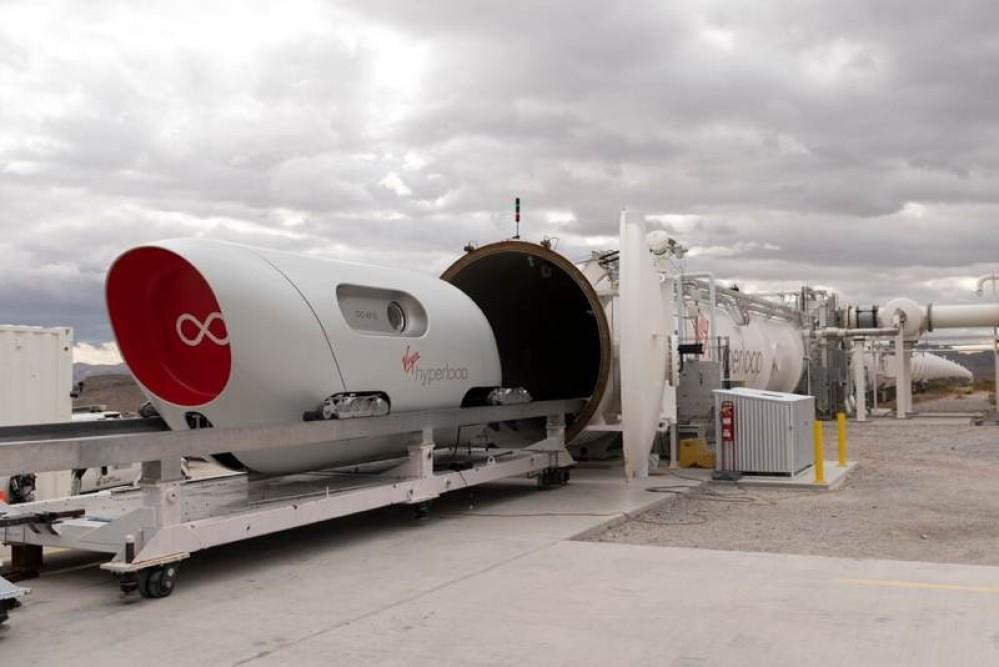 Virgin Hyperloop: Πρώτη επανδρωμένη δοκιμή για το φουτουριστικό τραίνο