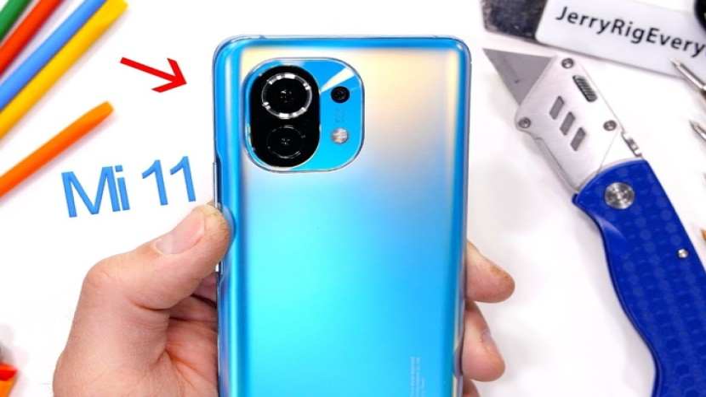 Xiaomi Mi 11: Πόσο ανθεκτικό είναι; [Video]