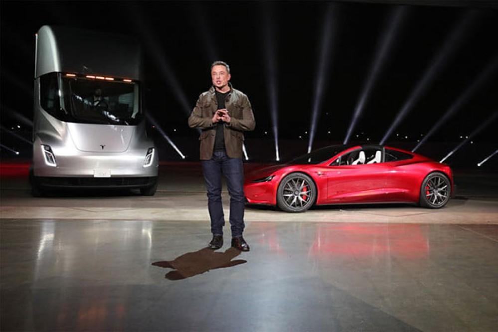 Elon Musk: Εξαναγκάζεται σε αποχώρηση από την προεδρία της Tesla και θα πληρώσει πρόστιμο $20 εκατ.