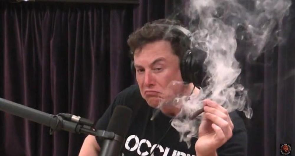 Μετά...τυρού και αχλαδίου (βλ. αλκοόλ και χόρτο), ο Elon Musk αποκάλυψε μεταξύ άλλων ότι σχεδιάζει ηλεκτρικό υπερηχητικό αεροπλάνο