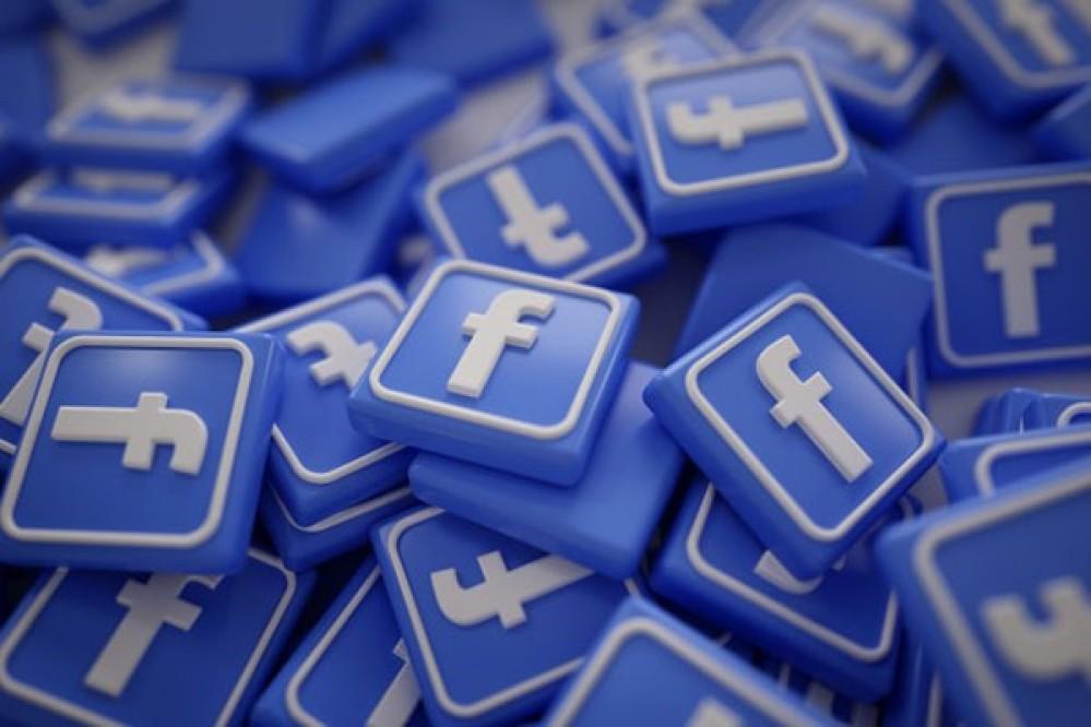 "Facebook: Αναστέλλει τους λογαριασμούς εταιρείας που ""έβαλε χέρι"" σε 1 τρισεκατομμύριο posts χρηστών [Video]"