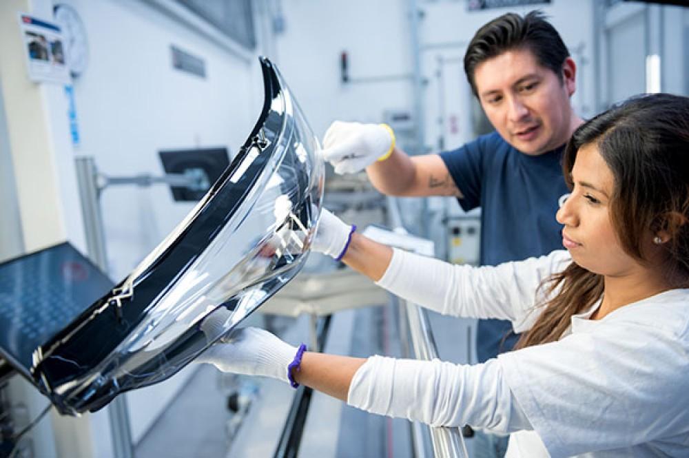 Η LG εξαγόρασε την ZKW Group, κορυφαίο προμηθευτή συστημάτων φωτισμού και προβολέων αυτοκινήτου