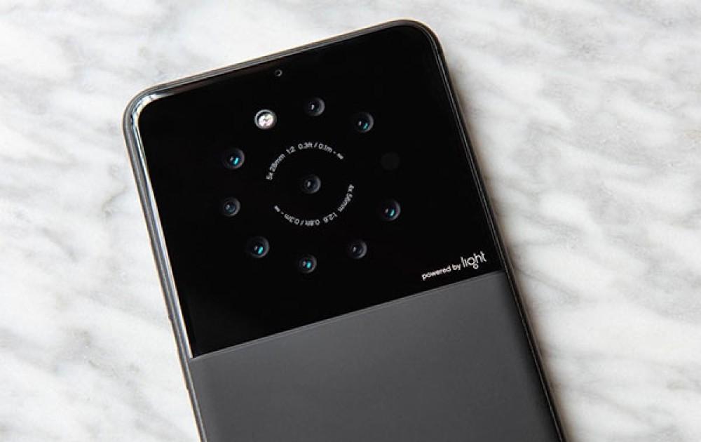 Αυτή η εταιρεία ετοιμάζει smartphone με 9 φακούς κάμερας για το πίσω μέρος