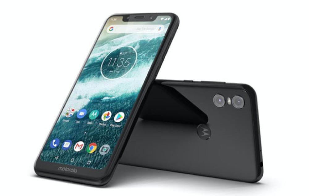 Motorola One: Επίσημα με οθόνη 5.9'' FHD+ και notch, dual κάμερα και Android 9.0 Pie στα €299