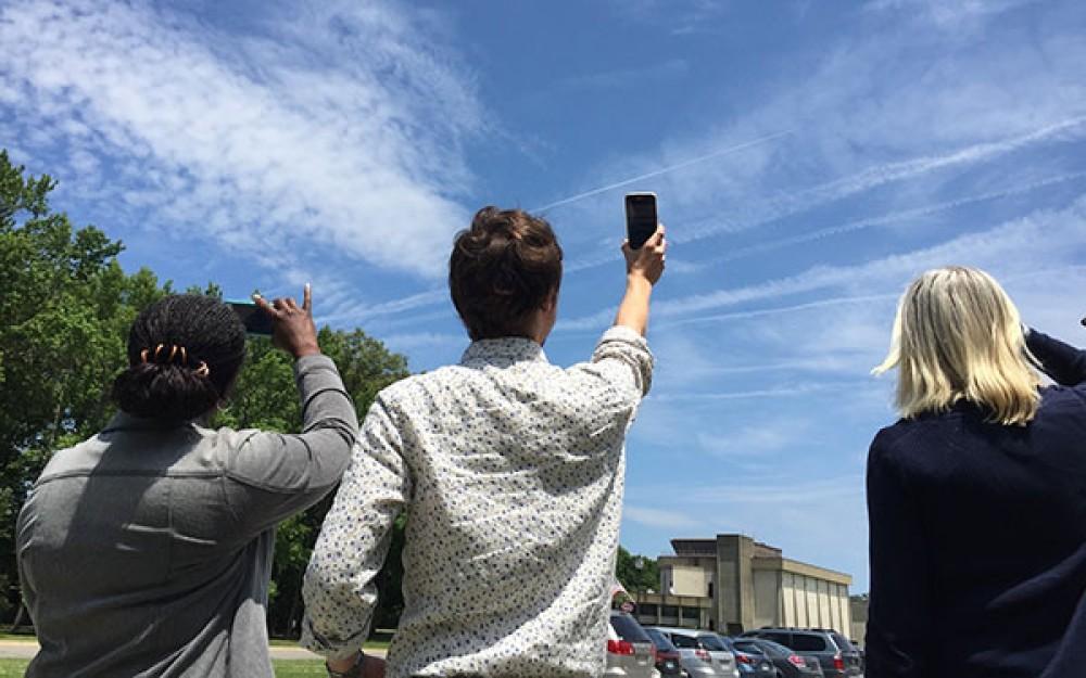 Η NASA σου ζητά να φωτογραφίζεις τα σύννεφα για να την βοηθήσεις