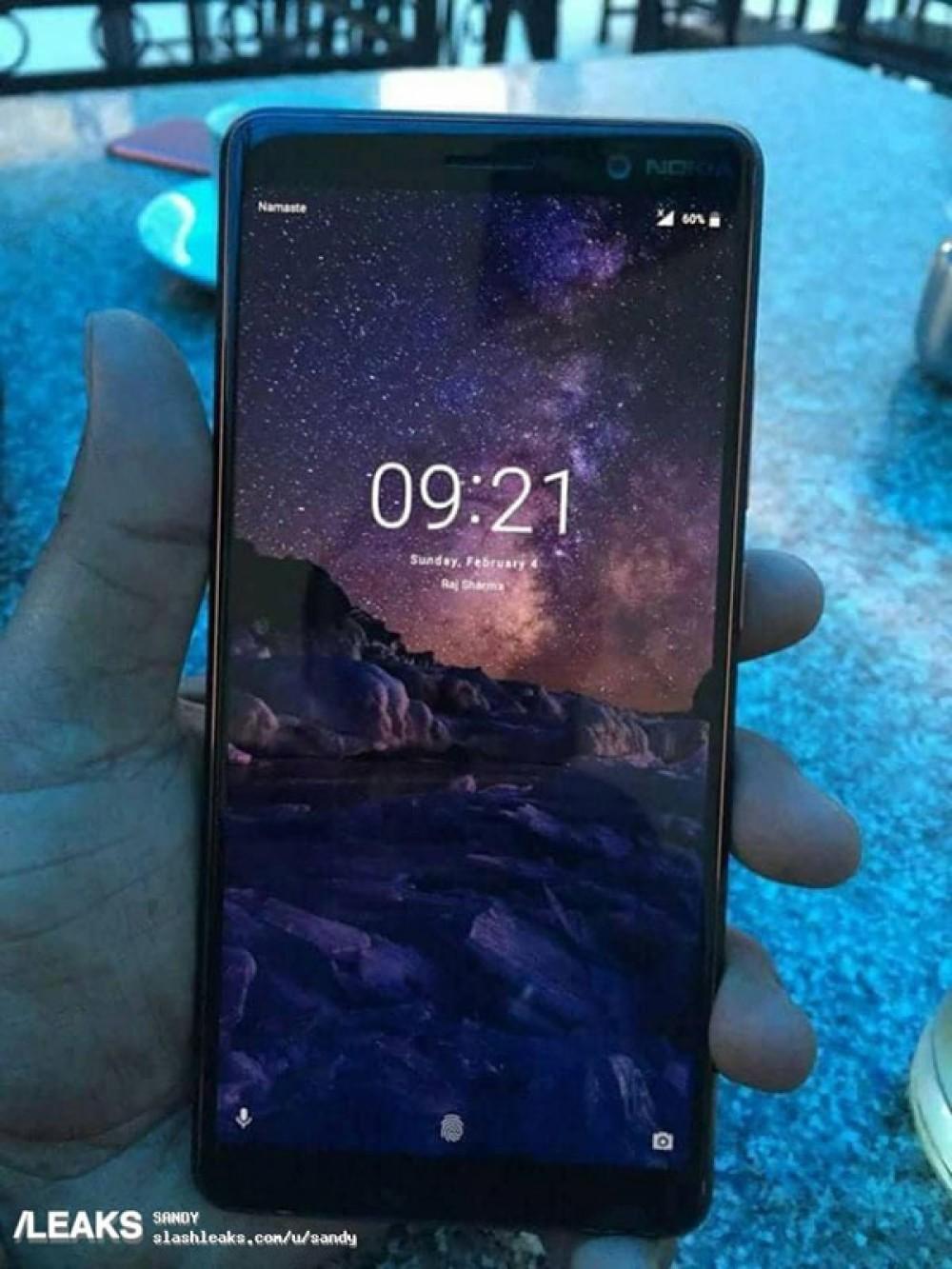 Nokia 7 Plus: Πραγματική φωτογραφία επιβεβαιώνει bezel-less οθόνη 18:9 και καμπυλωτές γωνίες