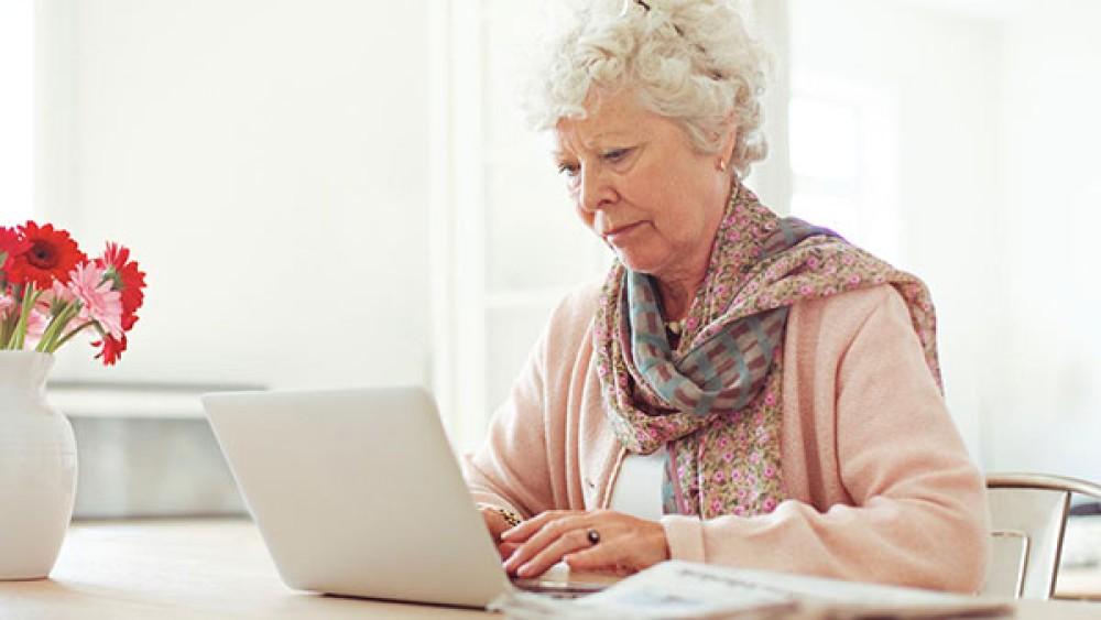 Ανησυχούμε για την διαδικτυακή ασφάλεια των ηλικιωμένων συγγενών, αλλά κάνουμε κάτι για αυτό;