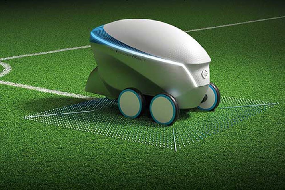 Nissan Pitch-R: Ένα ρομπότ που σχεδιάζει και στρώνει αυτόνομα τις γραμμές σε ένα γήπεδο ποδοσφαίρου