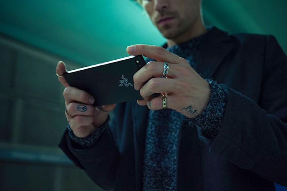 Razer Phone 2: Πέρασε από το Geekbench με 8GB RAM και Snapdragon 845