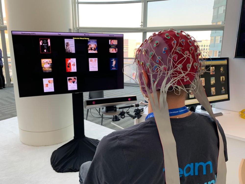 Η Samsung αναπτύσσει τεχνολογία για να διαχειρίζεσαι την TV με το μυαλό σου